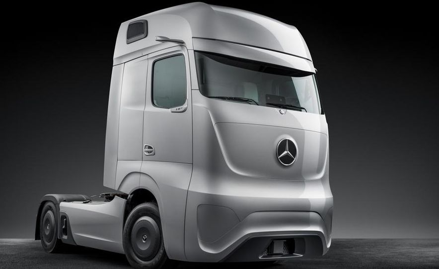 Mercedes-Benz Future Truck 2025 - Slide 38