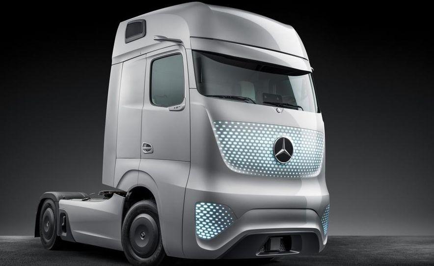 Mercedes-Benz Future Truck 2025 - Slide 39