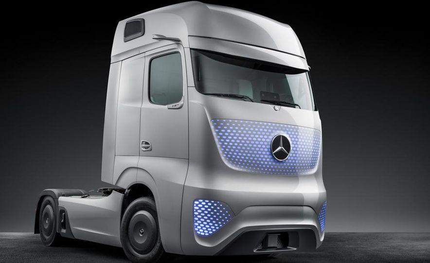 Mercedes-Benz Future Truck 2025 - Slide 40