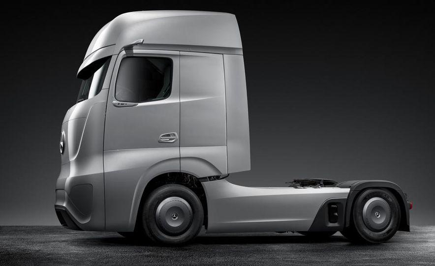 Mercedes-Benz Future Truck 2025 - Slide 41