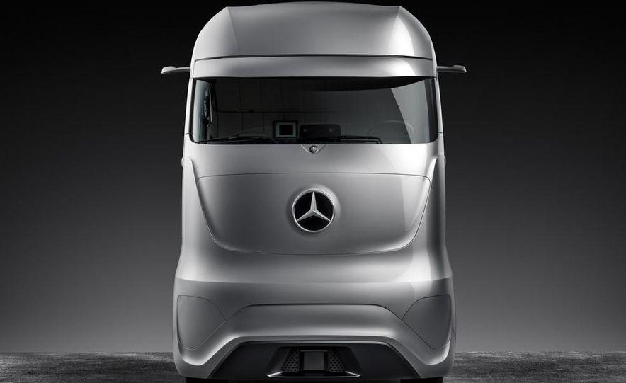 Mercedes-Benz Future Truck 2025 - Slide 44