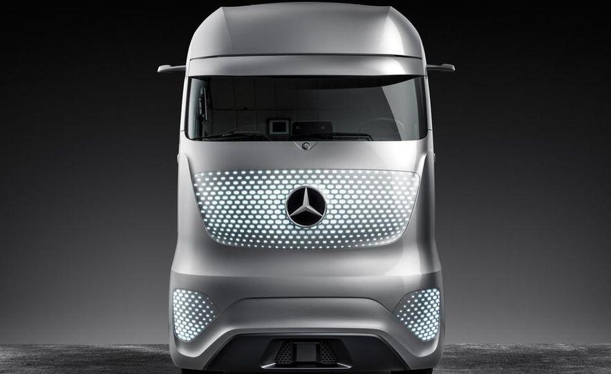 Mercedes-Benz Future Truck 2025 - Slide 45