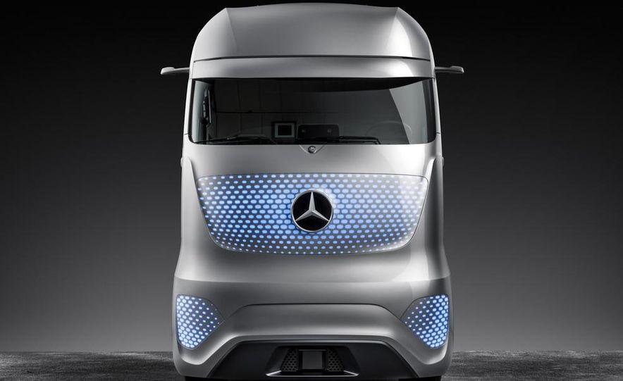 Mercedes-Benz Future Truck 2025 - Slide 46