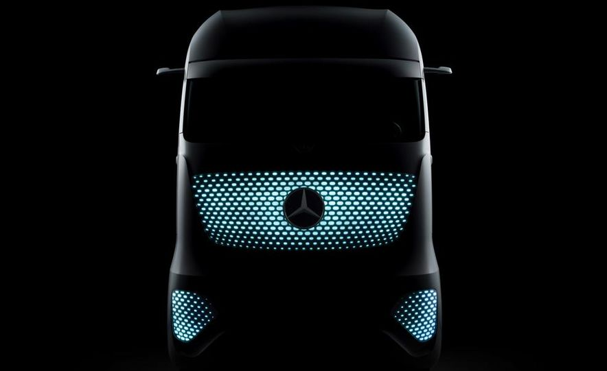 Mercedes-Benz Future Truck 2025 - Slide 49