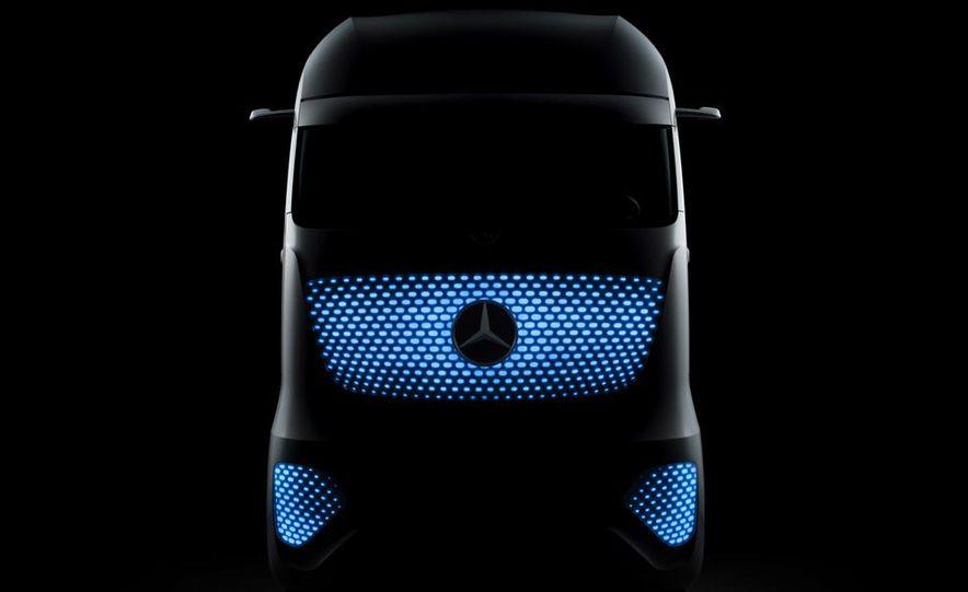 Mercedes-Benz Future Truck 2025 - Slide 50