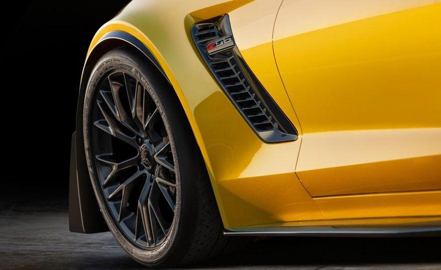 2015 Chevrolet Corvette Z06 coupe - Slide 20
