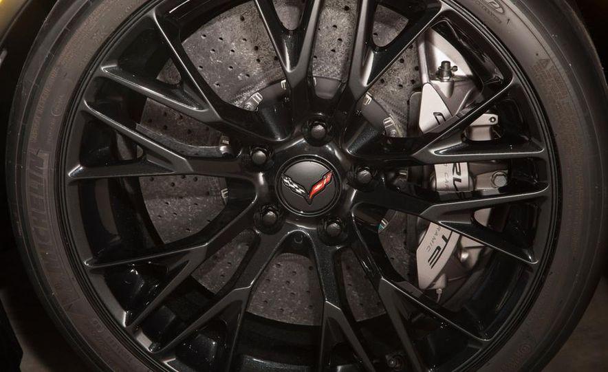 2015 Chevrolet Corvette Z06 coupe - Slide 21