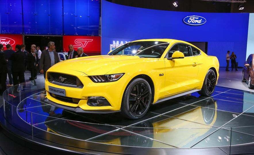 2015 Ford Mustang GT coupe - Slide 1