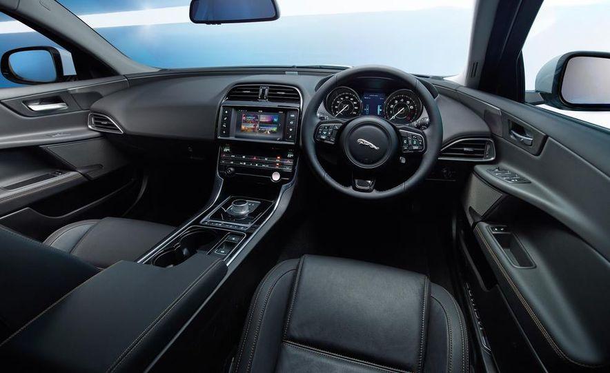 2017 Jaguar XE S - Slide 36