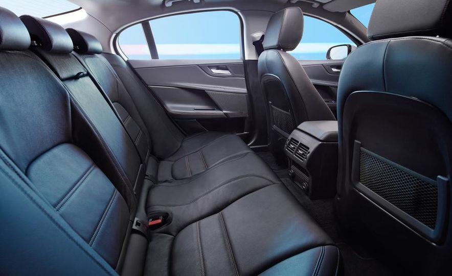 2017 Jaguar XE S - Slide 37