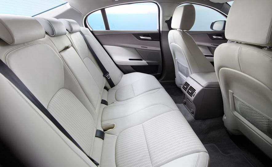 2017 Jaguar XE S - Slide 51