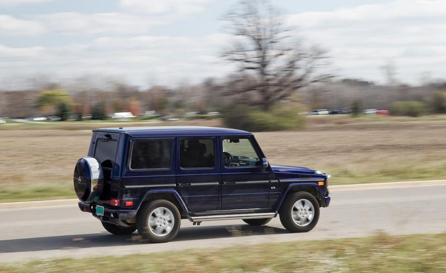 """2015 Mercedes-Benz G550 35th Anniversary Edition and 1988 Mercedes-Benz G-class """"Otto"""" - Slide 13"""