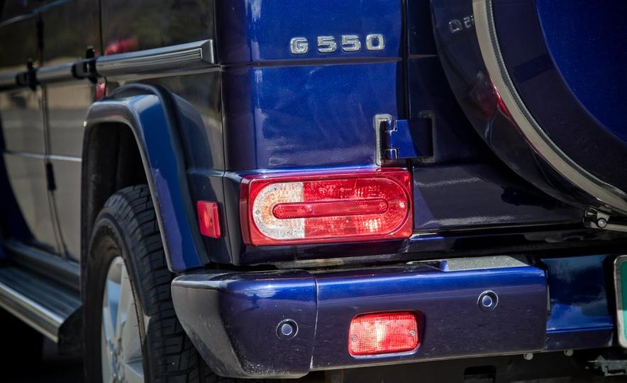 """2015 Mercedes-Benz G550 35th Anniversary Edition and 1988 Mercedes-Benz G-class """"Otto"""" - Slide 27"""