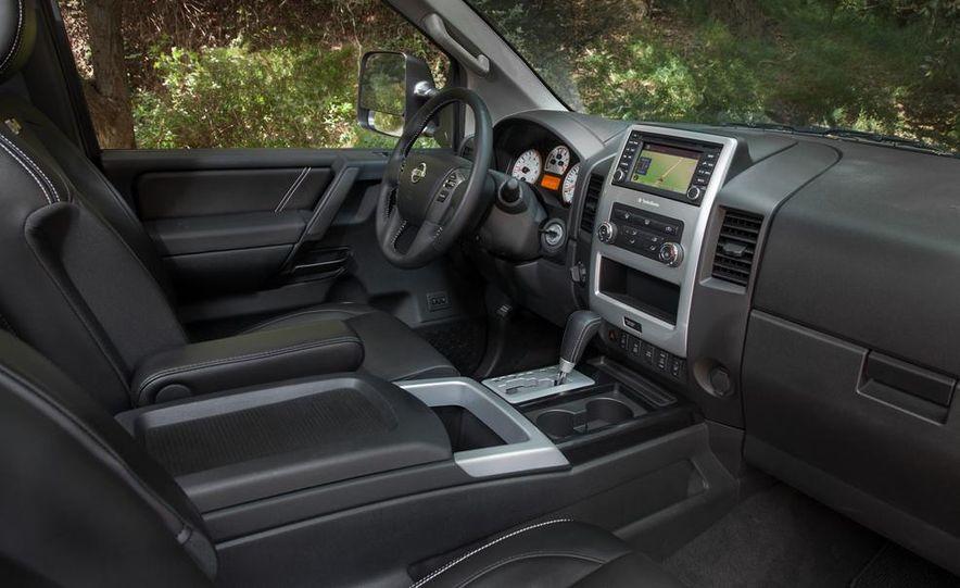 2014 Nissan Titan PRO-4X - Slide 22