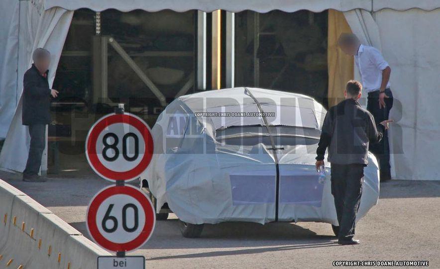 Mercedes-Benz secret concept vehicle (spy photo) - Slide 7