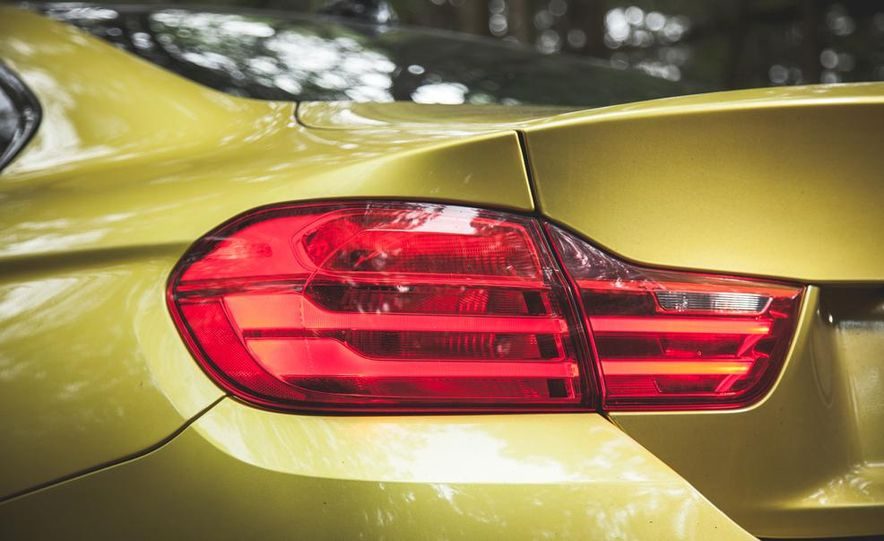 2015 BMW M4 Champion Edition - Slide 15