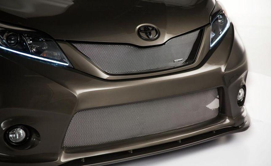 Toyota Sienna DUB Edition concept - Slide 10