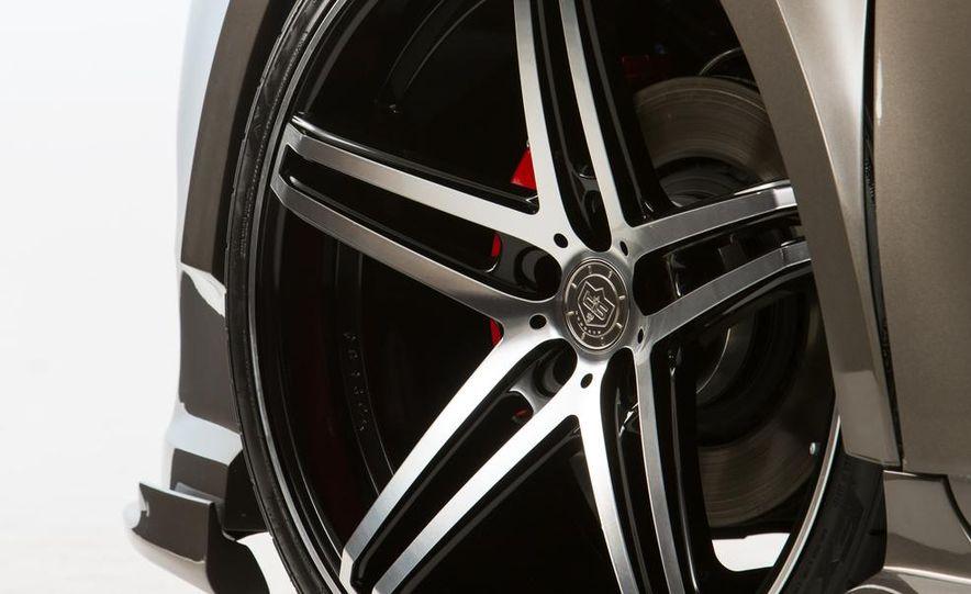 Toyota Sienna DUB Edition concept - Slide 12
