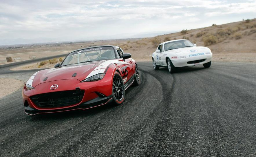 2016 Mazda MX-5 Miata Cup race car - Slide 6