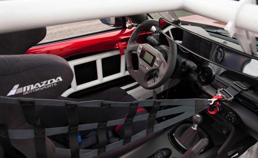 2016 Mazda MX-5 Miata Cup race car - Slide 31