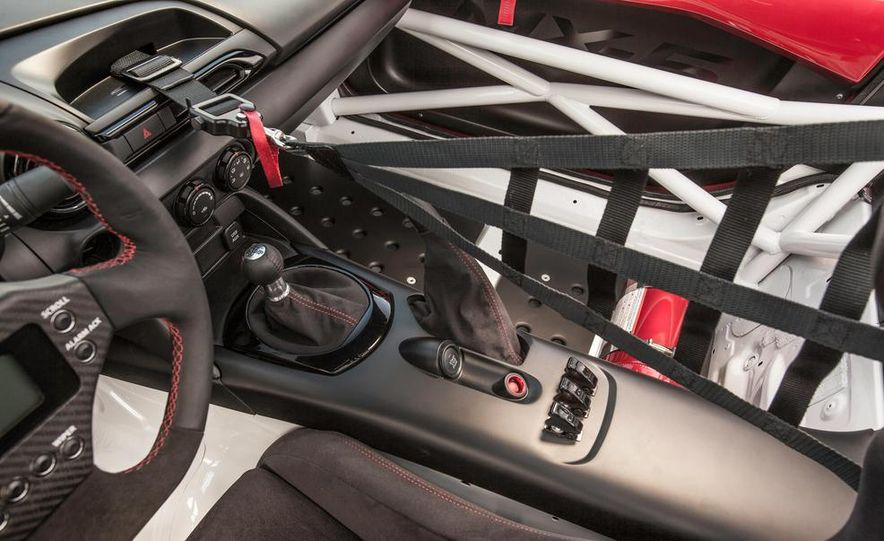 2016 Mazda MX-5 Miata Cup race car - Slide 32