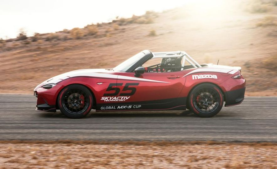 2016 Mazda MX-5 Miata Cup race car - Slide 9