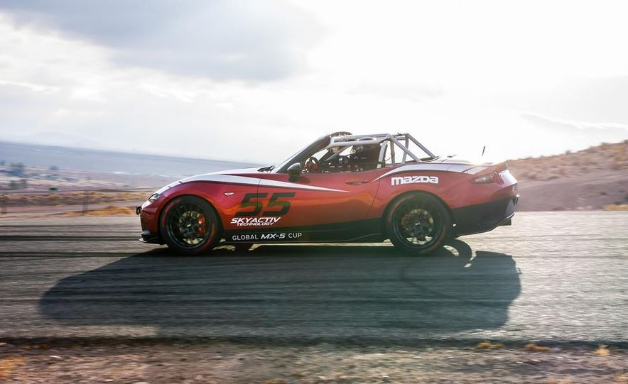 2016 Mazda MX-5 Miata Cup race car - Slide 17
