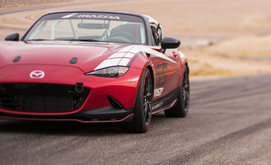 2016 Mazda MX-5 Miata Cup race car - Slide 23