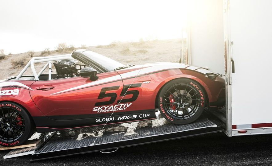 2016 Mazda MX-5 Miata Cup race car - Slide 25