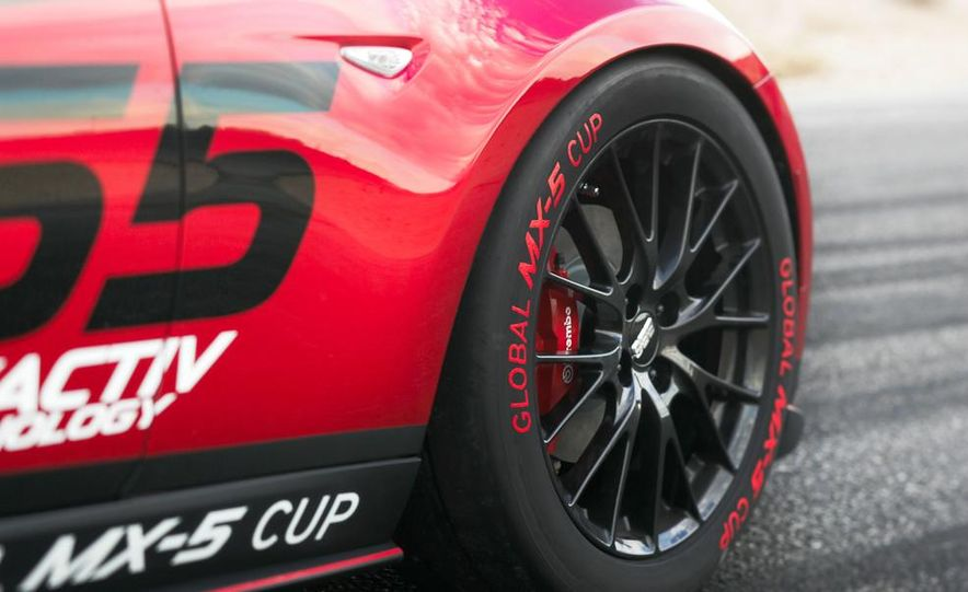 2016 Mazda MX-5 Miata Cup race car - Slide 29