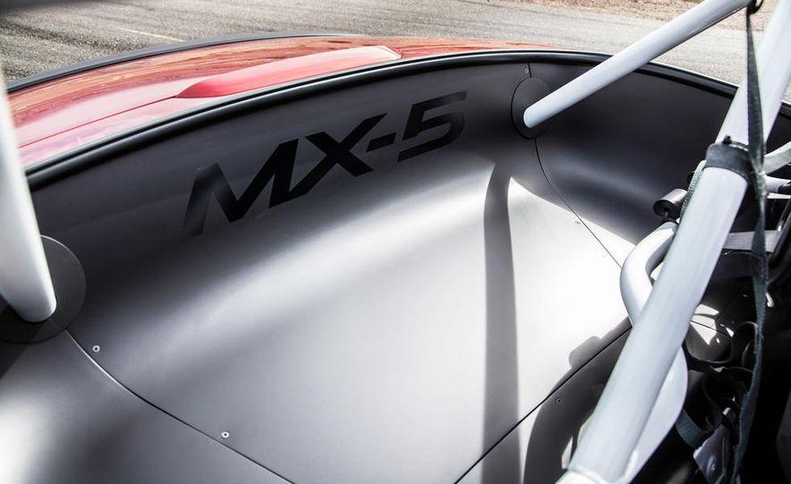 2016 Mazda MX-5 Miata Cup race car - Slide 30