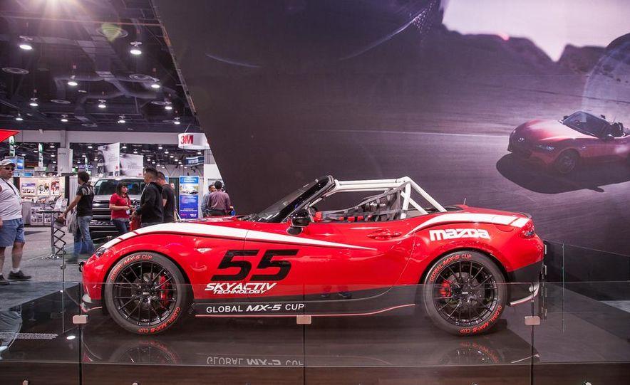 2016 Mazda MX-5 Miata Cup race car - Slide 2