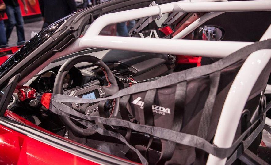 2016 Mazda MX-5 Miata Cup race car - Slide 5