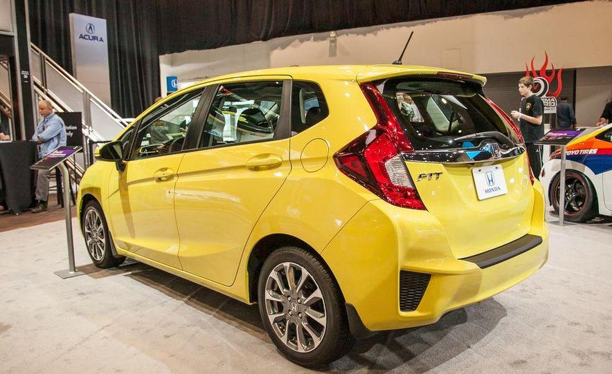 Honda Fit Active Metropolitan Lifestyle concept - Slide 7