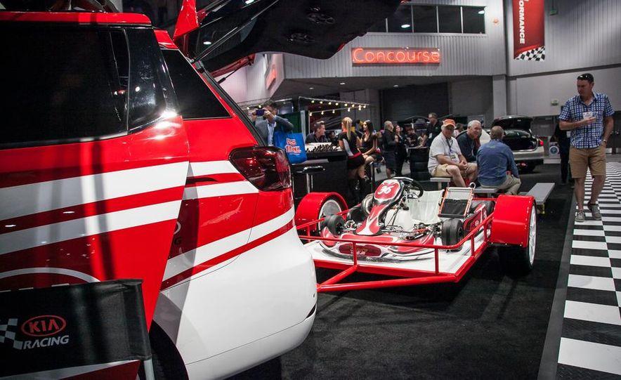 Kia K900 High Performance concept - Slide 6
