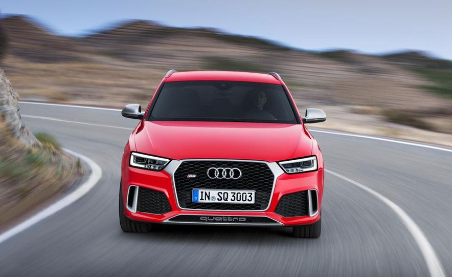 2016 Audi RS Q3 (Euro-spec) - Slide 1