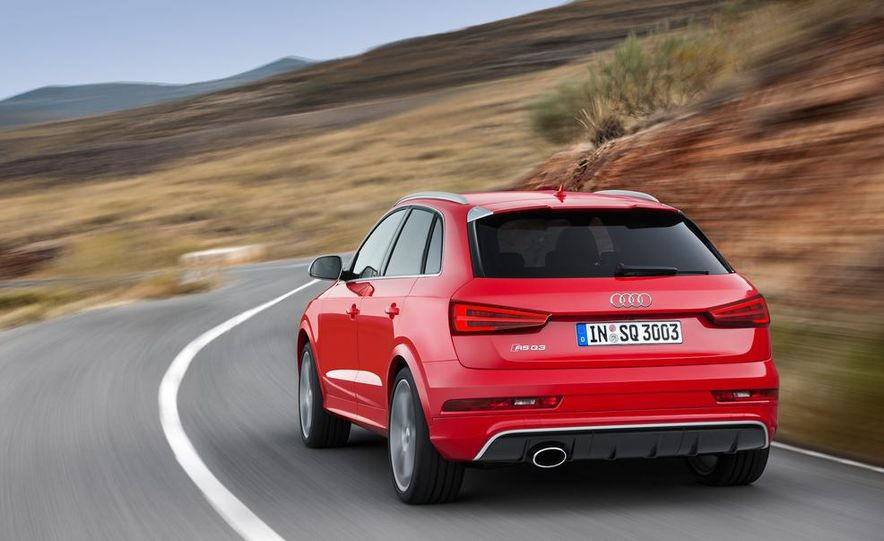 2016 Audi RS Q3 (Euro-spec) - Slide 4