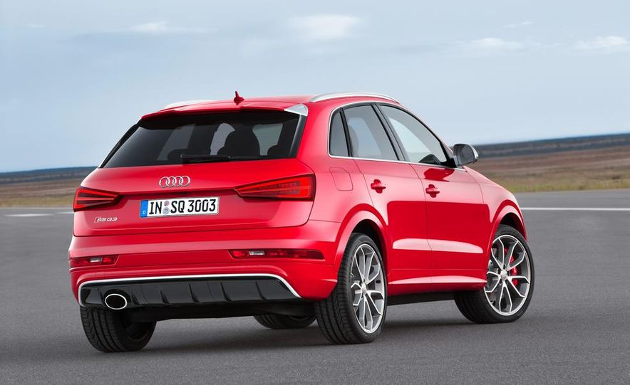 2016 Audi RS Q3 (Euro-spec) - Slide 6