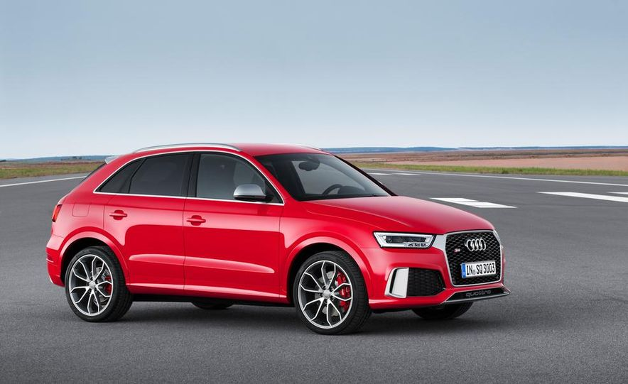 2016 Audi RS Q3 (Euro-spec) - Slide 7
