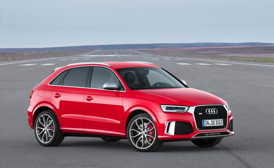 2016 Audi RS Q3 (Euro-spec) - Slide 9