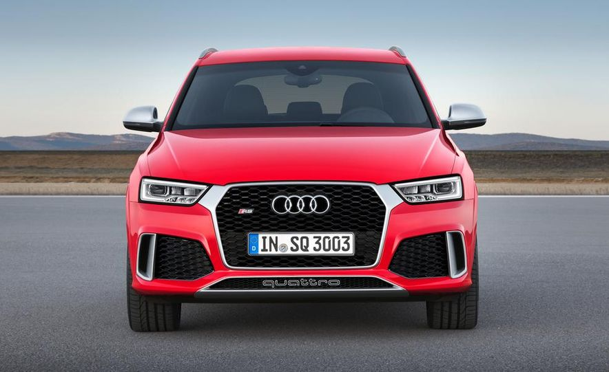 2016 Audi RS Q3 (Euro-spec) - Slide 11