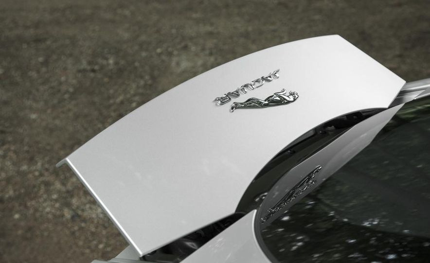 2016 Jaguar F-type R coupe AWD - Slide 23