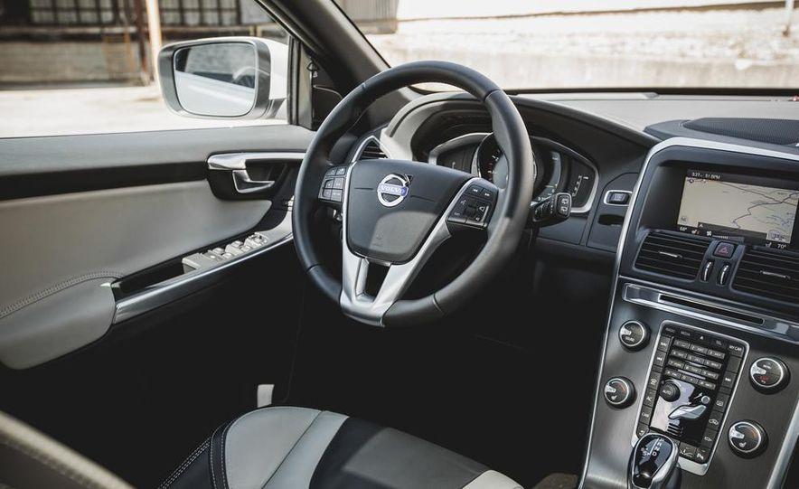 2015 Volvo XC60 Ocean Race Edition - Slide 19