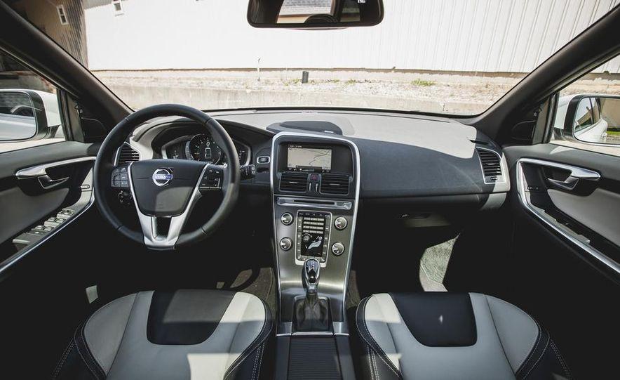 2015 Volvo XC60 Ocean Race Edition - Slide 21