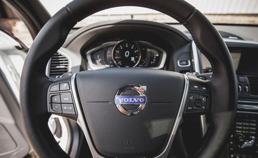 2015 Volvo XC60 Ocean Race Edition - Slide 30