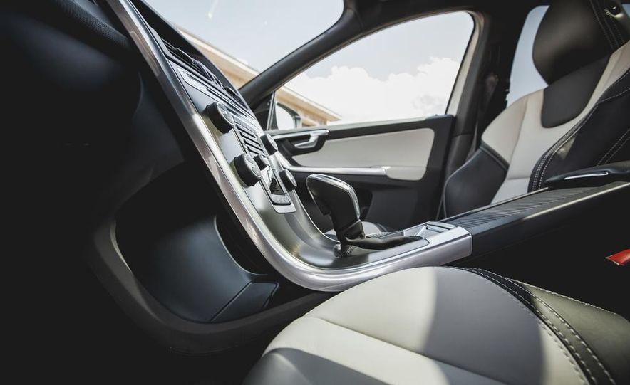 2015 Volvo XC60 Ocean Race Edition - Slide 34