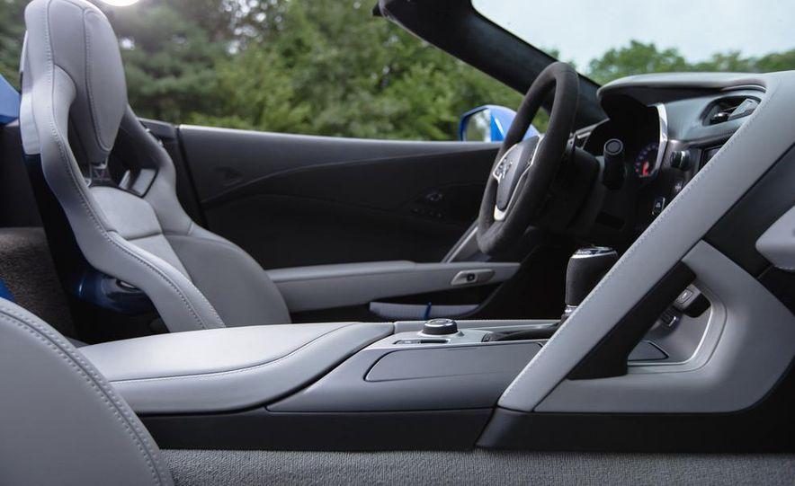 2015 Chevrolet Corvette Stingray convertible - Slide 11