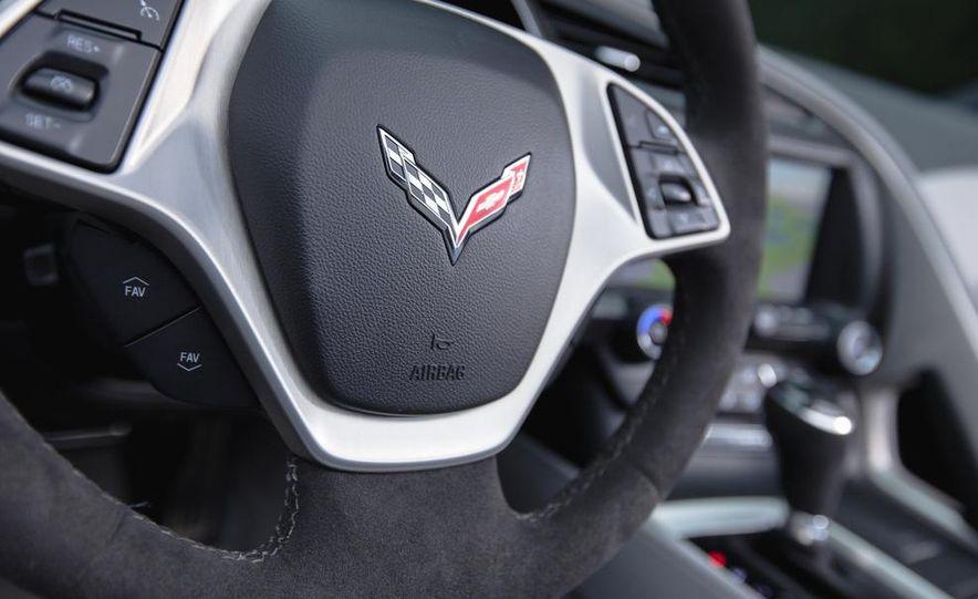 2015 Chevrolet Corvette Stingray convertible - Slide 17