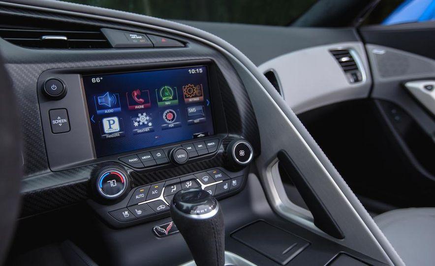 2015 Chevrolet Corvette Stingray convertible - Slide 19