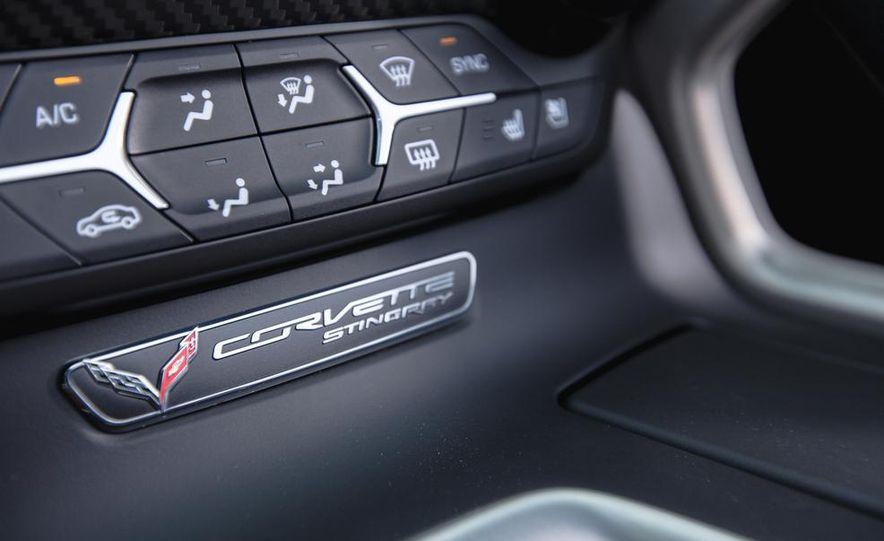 2015 Chevrolet Corvette Stingray convertible - Slide 22